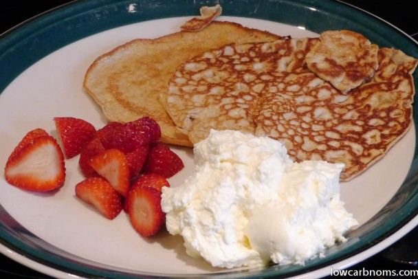 low carb cream cheese pancakes with strawberries and cream - suitable ...